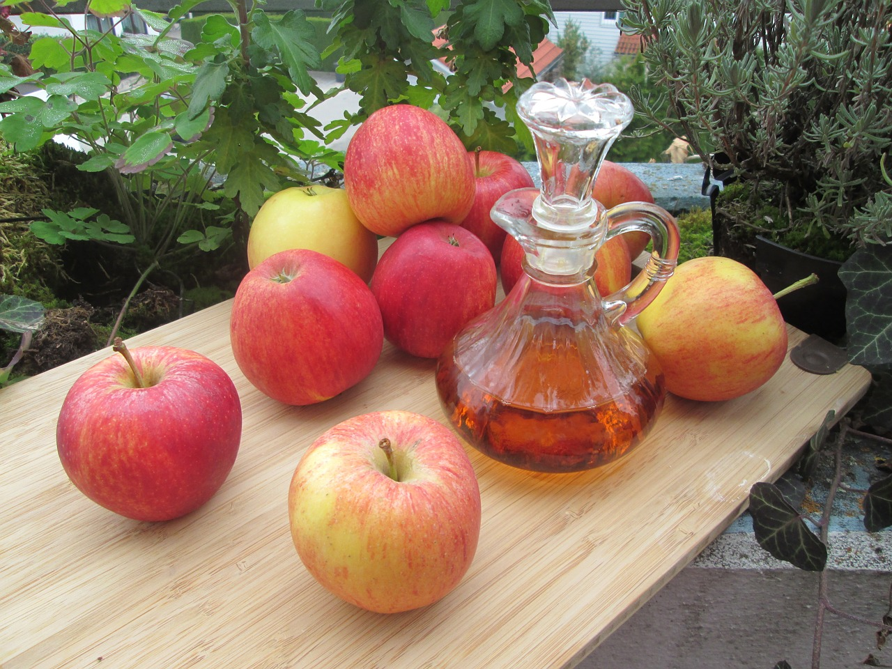 Use Apple Cider Vinegar for Home and Garden