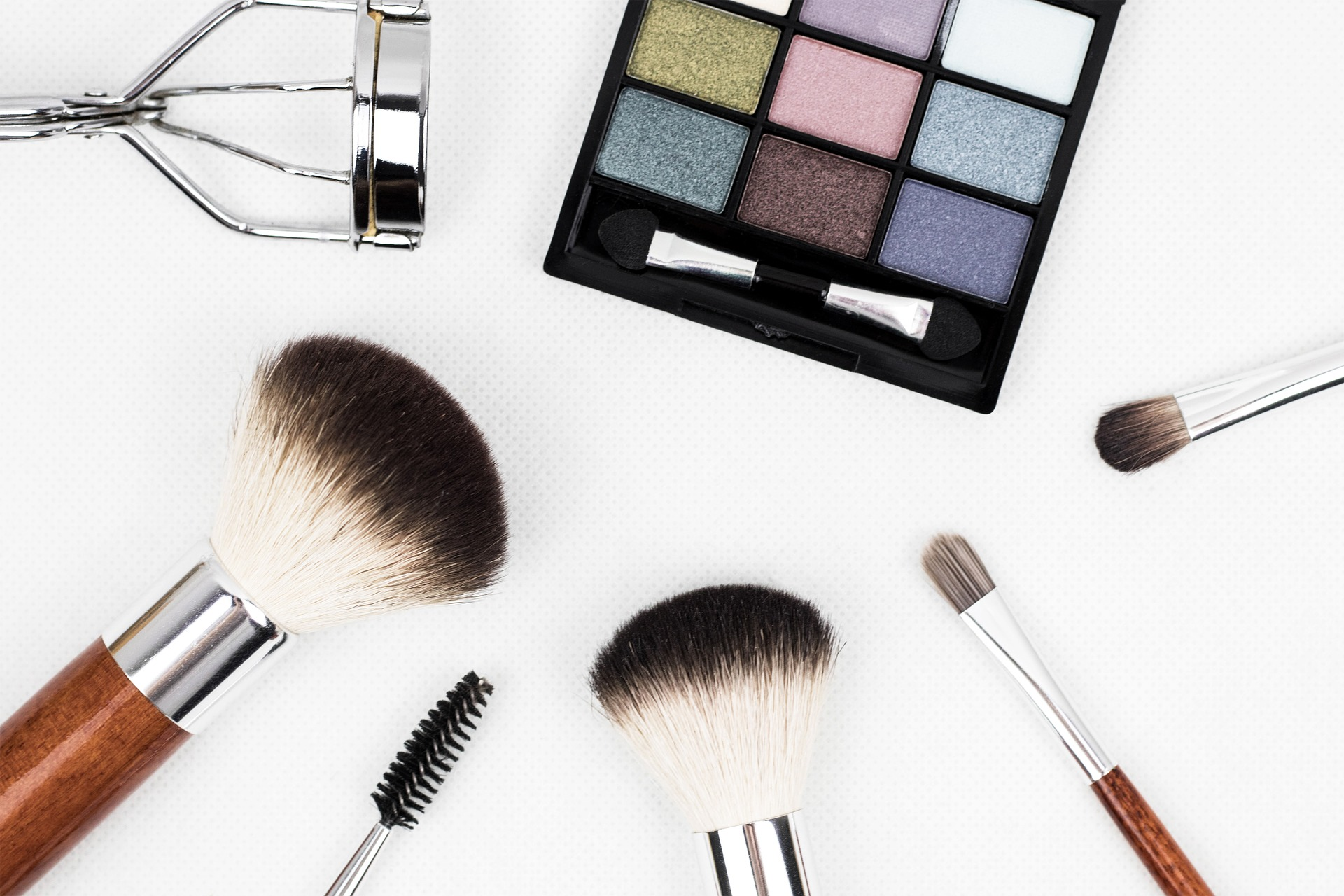 Common Makeup Chemicals to Avoid