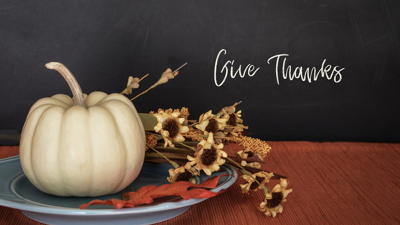Natural Ways to Decorate for Thanksgiving